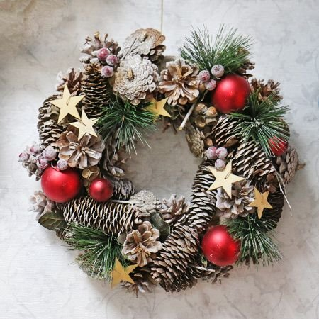 Product Christmas wreath with cones