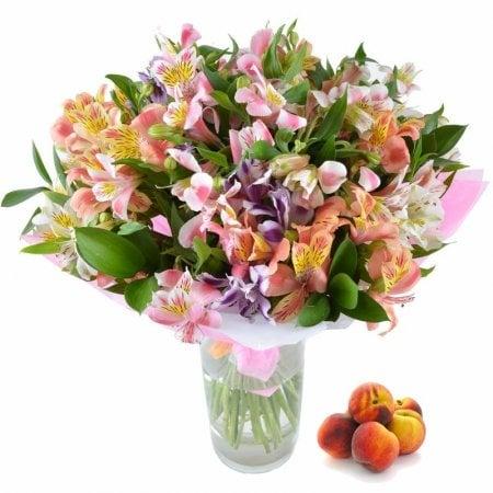 Bouquet Bryklin +peaches in a gift
