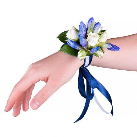 "Bouquet Bracelet on his hand \""Gentian\"""