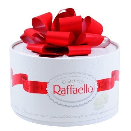 Product Sweets Raffaello La Torta