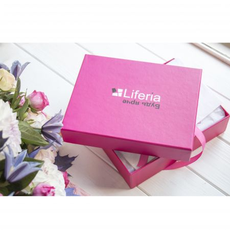 Cosmetics box Liferia order in the online-shop with delivery