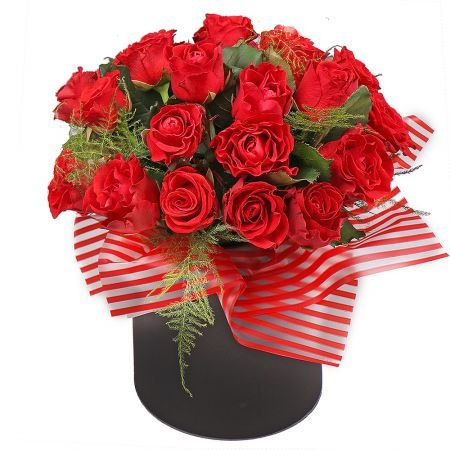 Bouquet Red roses in a hat box