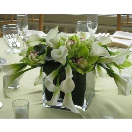 Bouquet Arrangement Wedding table