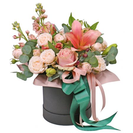 Bouquet Roses and lilies