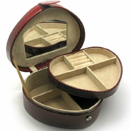 To buy a casket for jewelry ''Heart''