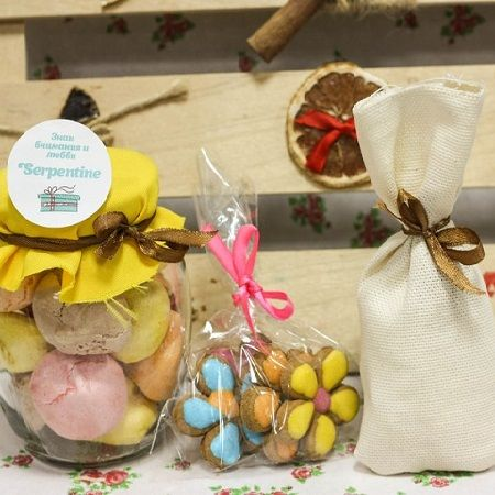 Order beautiful Sweet mini set: Airy Surprise with delivery